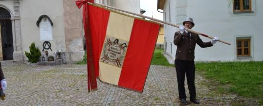 120 Jahr altes Fahnenband gesegnet